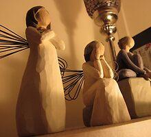 Angels by minimegz