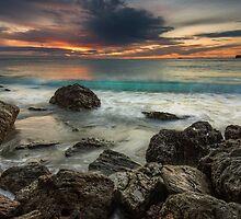 Bowentown Backlit Wave by Ken Wright