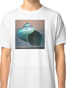 GREEN SHELL Classic T-Shirt