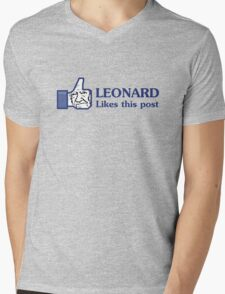 Leonard Likes this Post Mens V-Neck T-Shirt