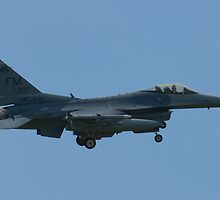 FM AF 86 0307 F-16C Fighting Falcon Approach by Henry Plumley