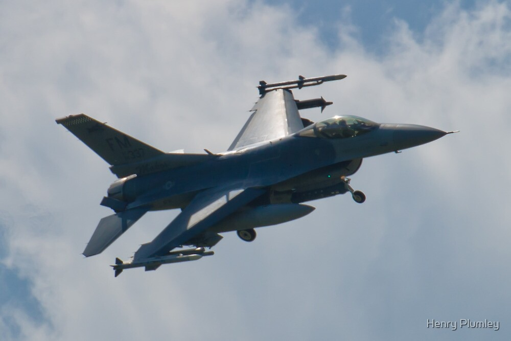 FM AF 86 0337 F-16C Fighting Falcon Bank Approach by Henry Plumley