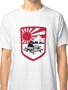 rising sun bear Classic T-Shirt