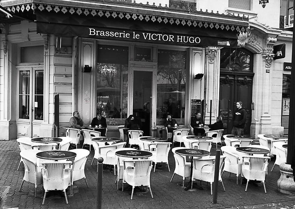 Un Café à Sete by Paul Pasco