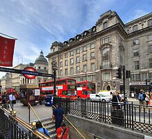 Regent Street - London by Yhun Suarez