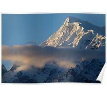 Cloud and Mountains way to Thorung Phedi Poster