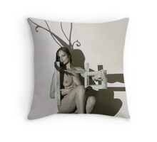 3D video mapping on model in the studio - horns pattern Throw Pillow