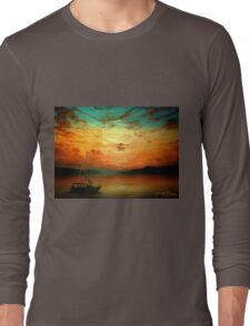Sunset Sailing... Long Sleeve T-Shirt