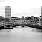 Dublin - Ha'Penny Bridge by rsangsterkelly