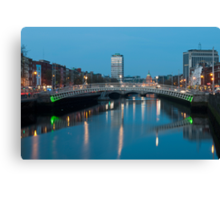 Dublin at night Canvas Print