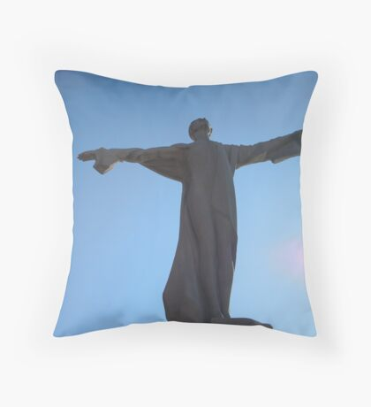Titanic Memorial -- Washington, DC Throw Pillow