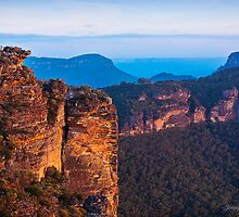 Boars Head  Katoomba Blue Mountains NSW by JennyMac