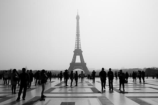 Eiffel Tower by Gil Fewster