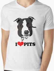 I Love Pit Bulls Mens V-Neck T-Shirt