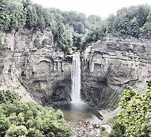 Taughannock Falls by paulsk