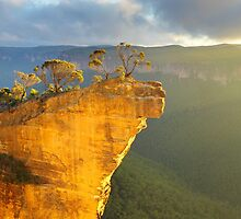 Hanging Rock, Blue Mountains, Australia by Michael Boniwell