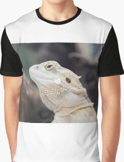 iguana in the jungla Graphic T-Shirt