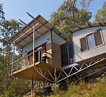 Mountain Eco-cottage, Bright, Victoria. by johnrf