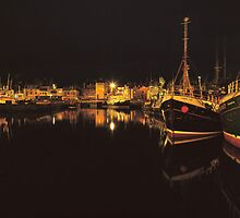 Fraseburgh harbour by Annette Flottwell