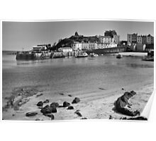 Tenby Harbour North Beach View Mono Poster