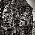 The Queen's Bath House - B&W by Tom Gomez