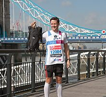 lee Ryan, fastest marathon carrying a 20lb back pack by Keith Larby