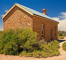Coward Springs Railway Hut by Richard  Windeyer