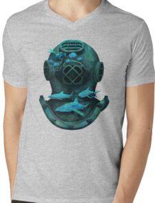 Deep diving Mens V-Neck T-Shirt
