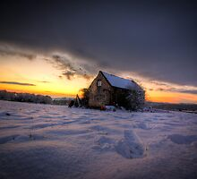 Lonley farmhouse in the snow by MikeBlake