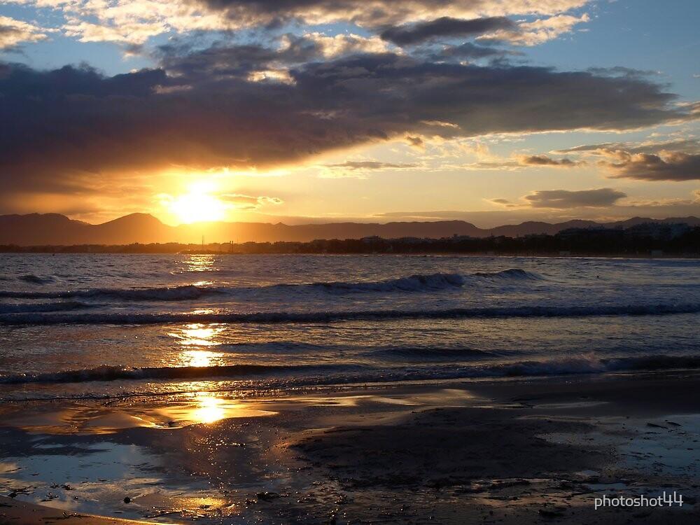 Salou Beach Sunset by photoshot44