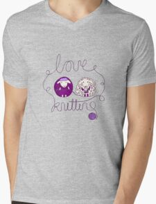 love knitting couple Mens V-Neck T-Shirt