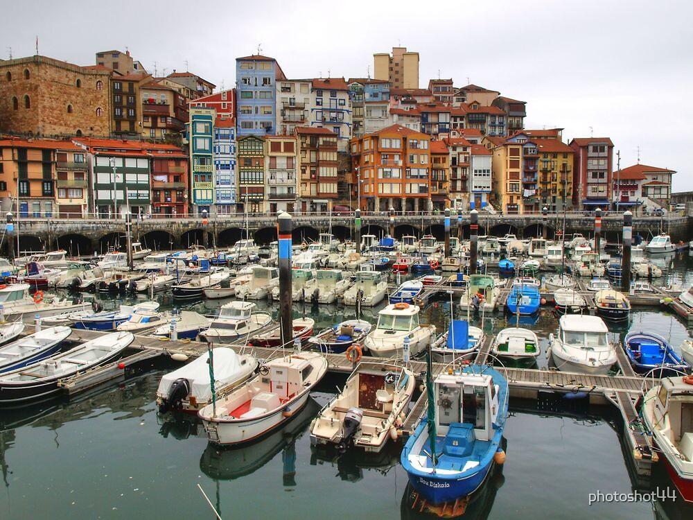 Bermeo Seaport by photoshot44