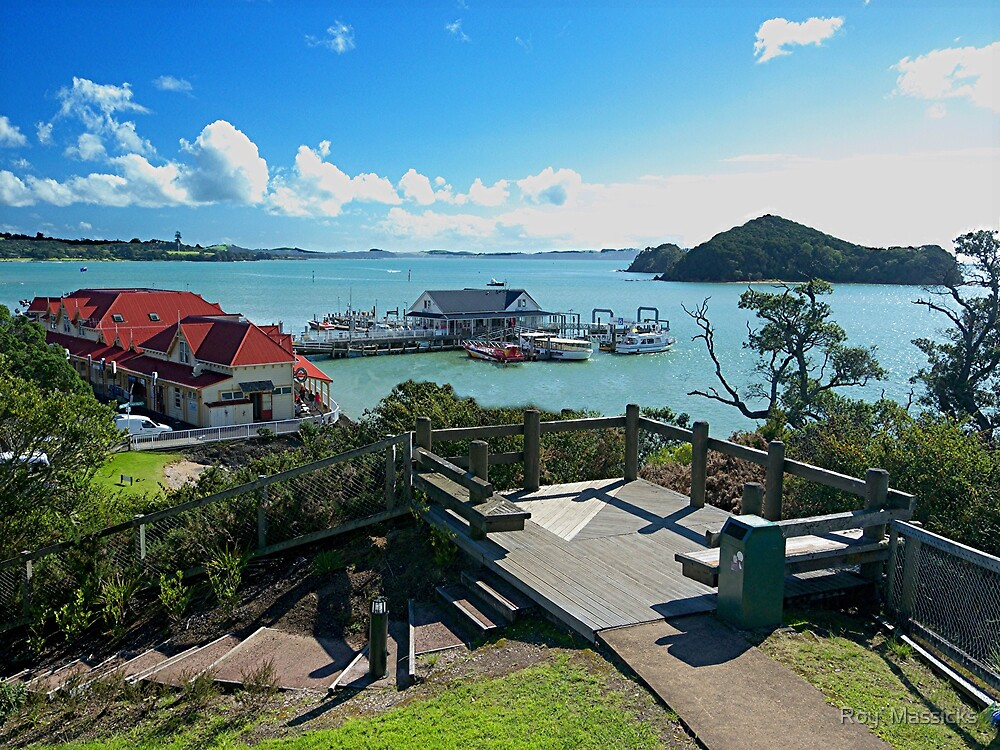 PAIHIA, BAY OF ISLANDS,  NEW ZEALAND......!  by Roy  Massicks