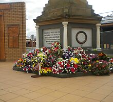 Anzac  Day - 2012 Echuca - Echuca Memorial by djnatdog