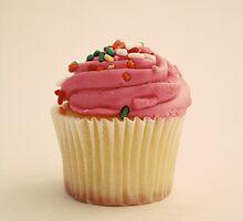 Pink Cupcake by thegraydeer