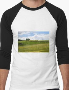 Rolling green hills with trees Photographed in Tuscany, Italy Men's Baseball ¾ T-Shirt