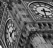 Closeup shot of the Big Ben by Magdalena Warmuz-Dent