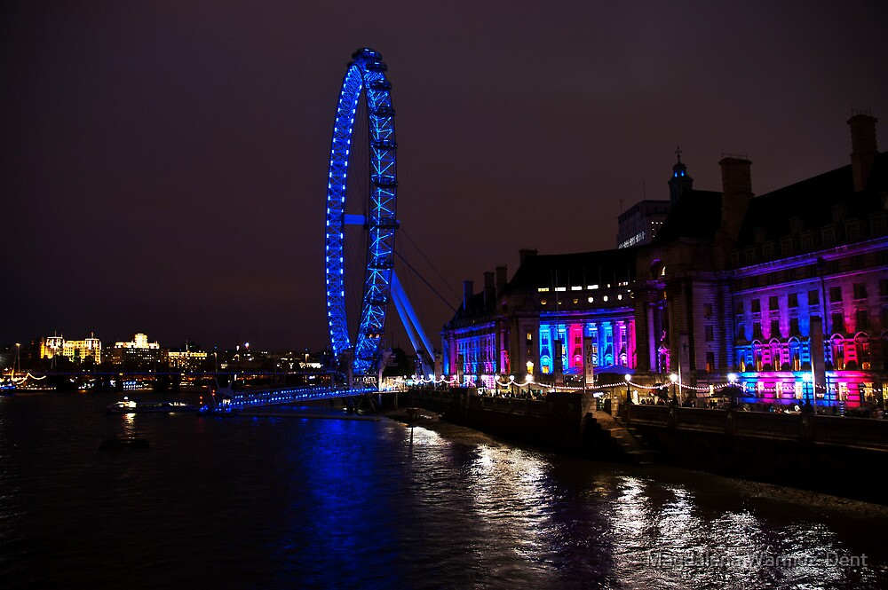 The London Eye and the river Thames by night by Magdalena Warmuz-Dent