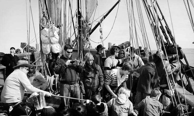 Group Pirate-ing  by linaji