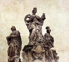 Statue on Charles bridge, Prague by Nicklas Gustafsson