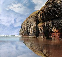 cliff reflection on ballybunion beach by morrbyte