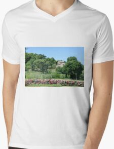 Remote farmhouse, Tuscany, Italy  Mens V-Neck T-Shirt