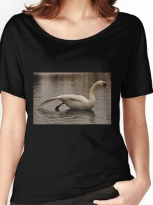 The Queen of all birds - beauty & grace Women's Relaxed Fit T-Shirt