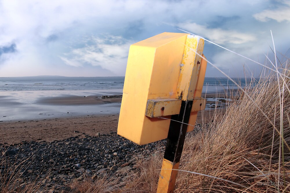 lifebuoy box on beal beach in kerry by morrbyte