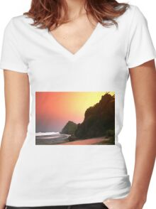beautiful beaches Women's Fitted V-Neck T-Shirt