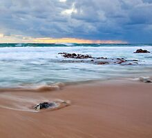 Receeding Waves at Injidup Beach by Martin Pot