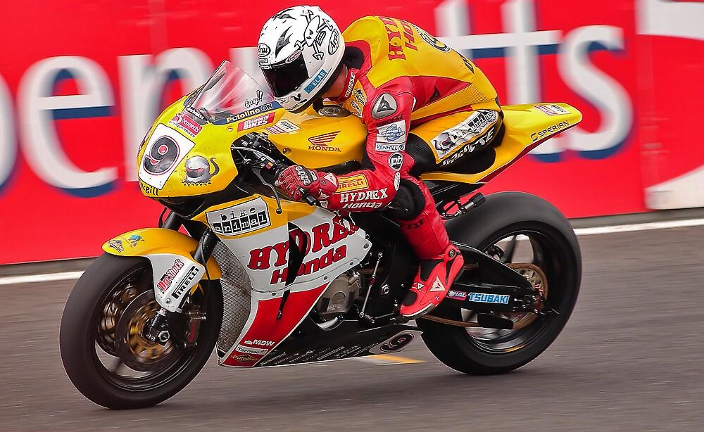 Motorbike racing .BSB   ( Guy Martin ) by Kit347