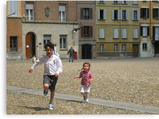 LORENZO E CATERINA IN PIAZZA DUOMO A PARMA...-italy--1500 visualizzaz.maggio 2013-VETRINA RB EXPLORE 13 MAGGIO 2012 ---- by Guendalyn