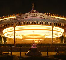 King Arthur's Carousel - Night by Pschtyckque
