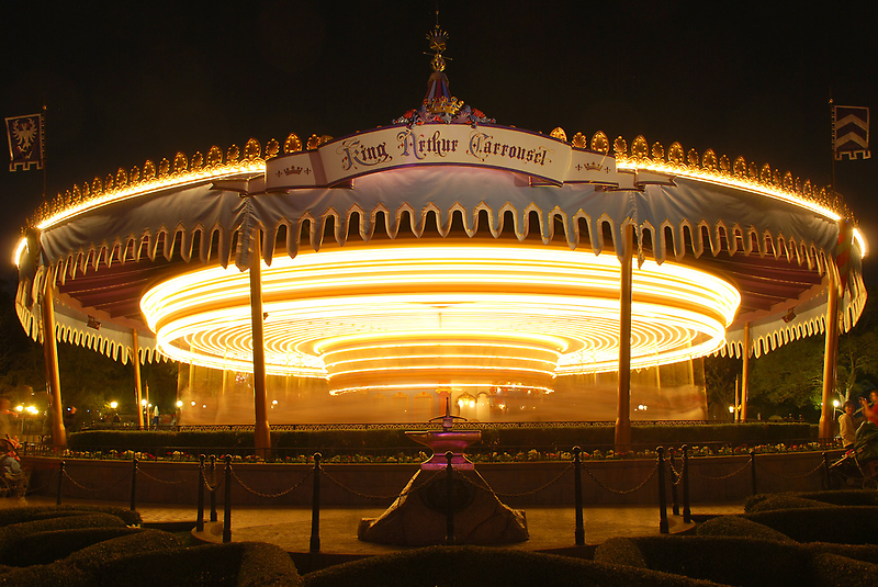King Arthur's Carousel - Night by Pschtyckque